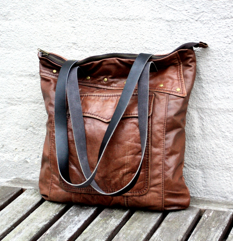 A brown vintage leather city bag