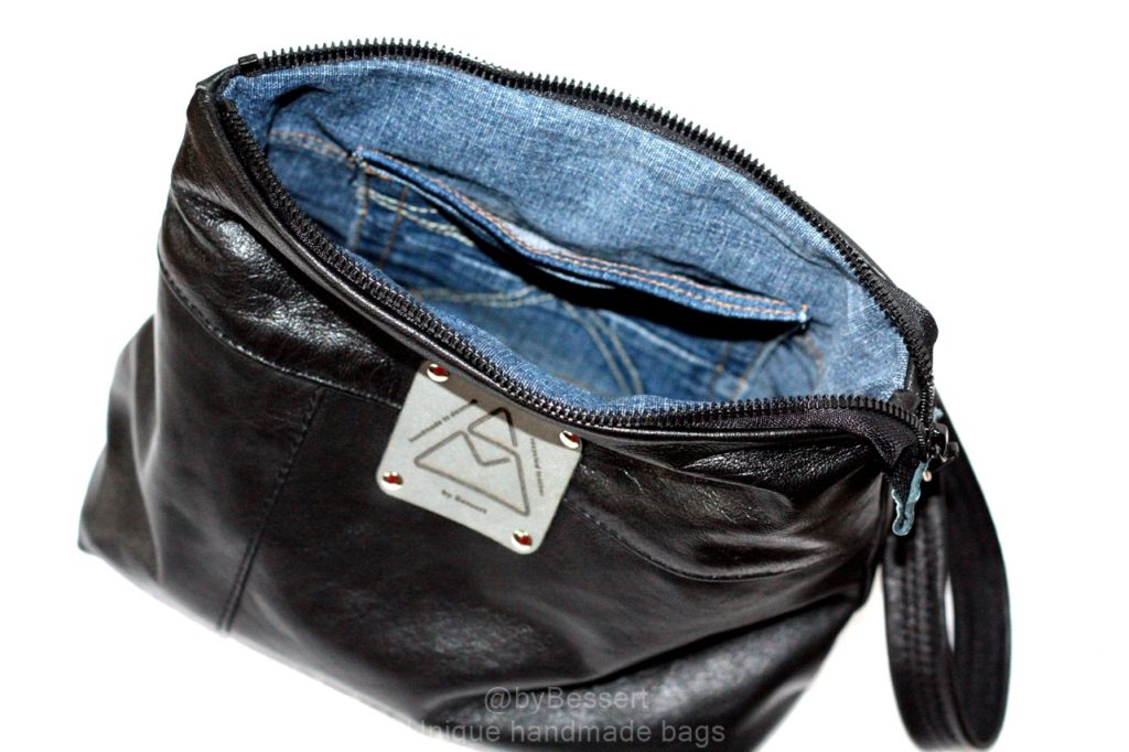 Little cosmetic pouch with denim linning