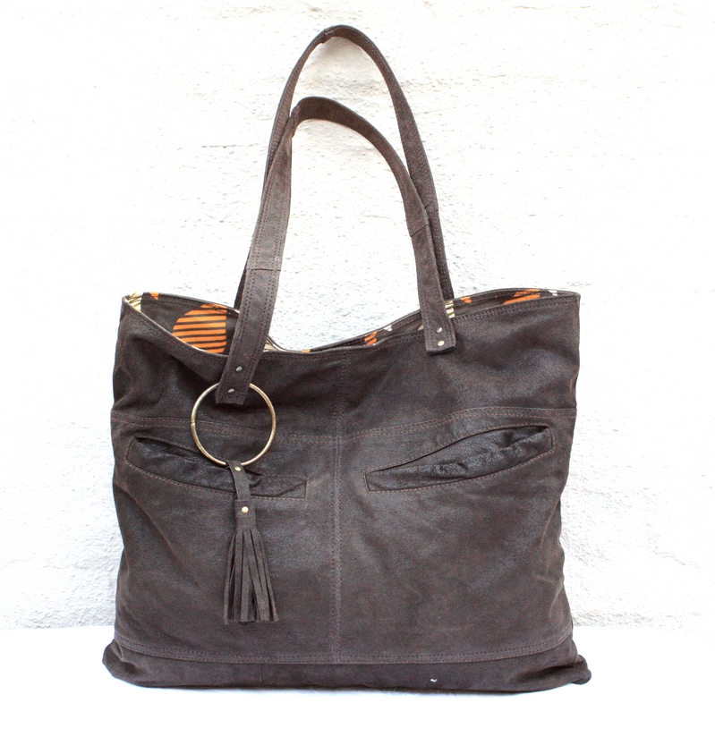 Brown raw leather city bag
