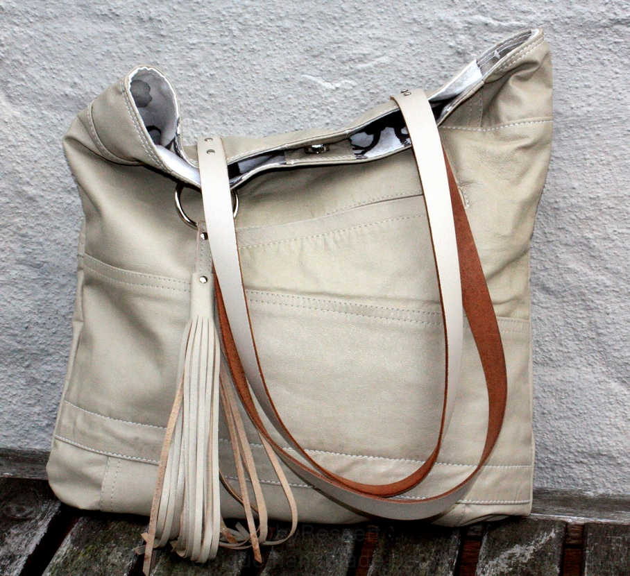 Beige city bag
