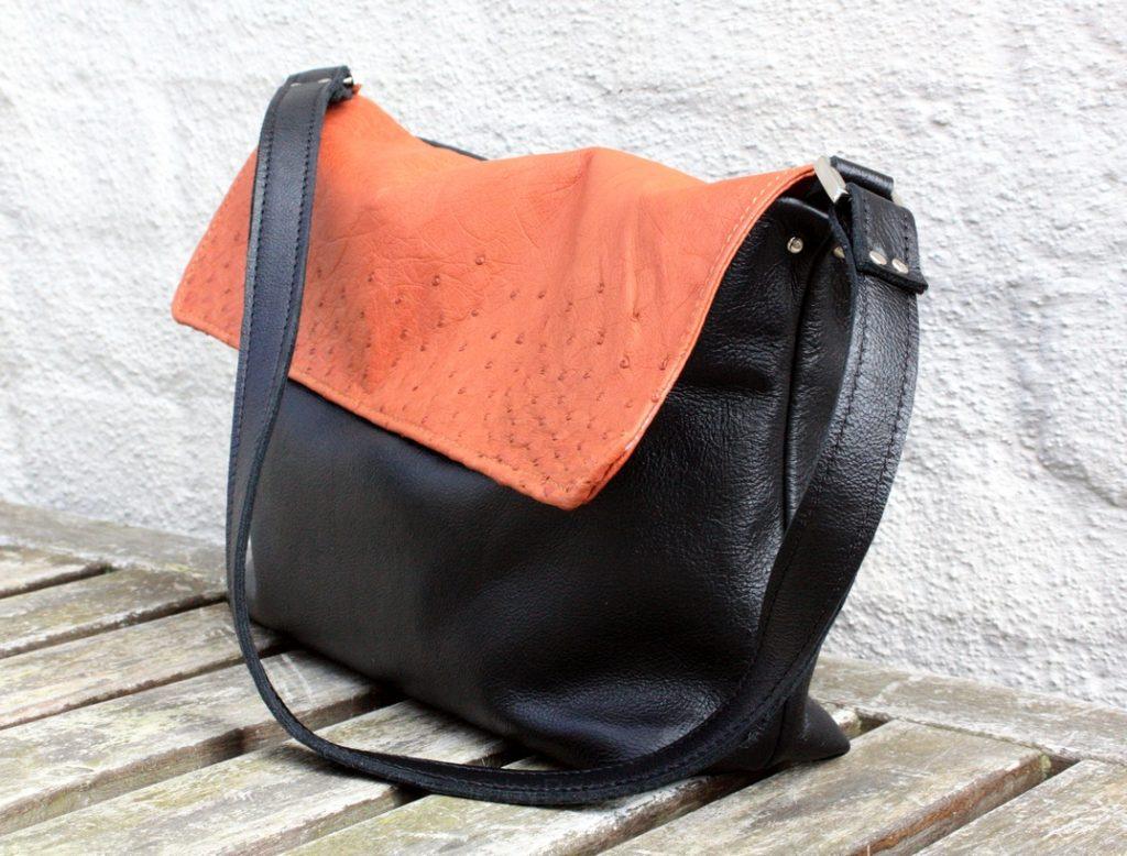 Lille sort/brun taske