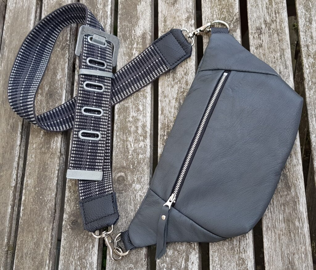 Grey bumbag / funnypack